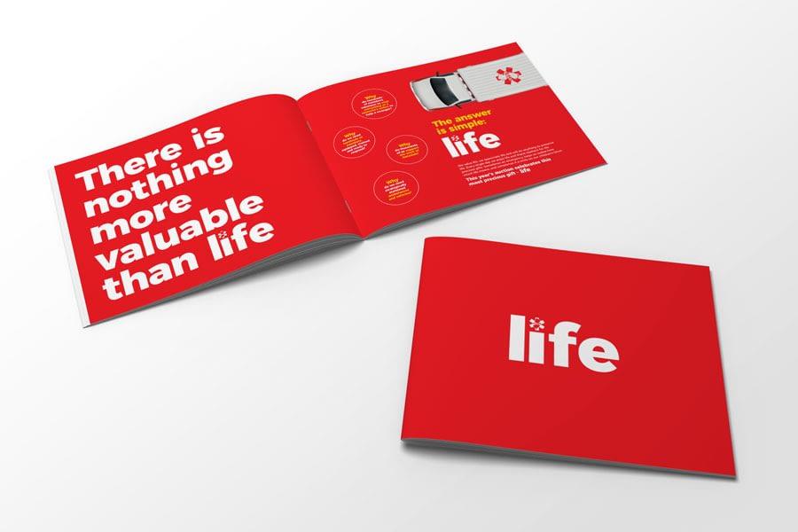Hatz-life-book-mockup